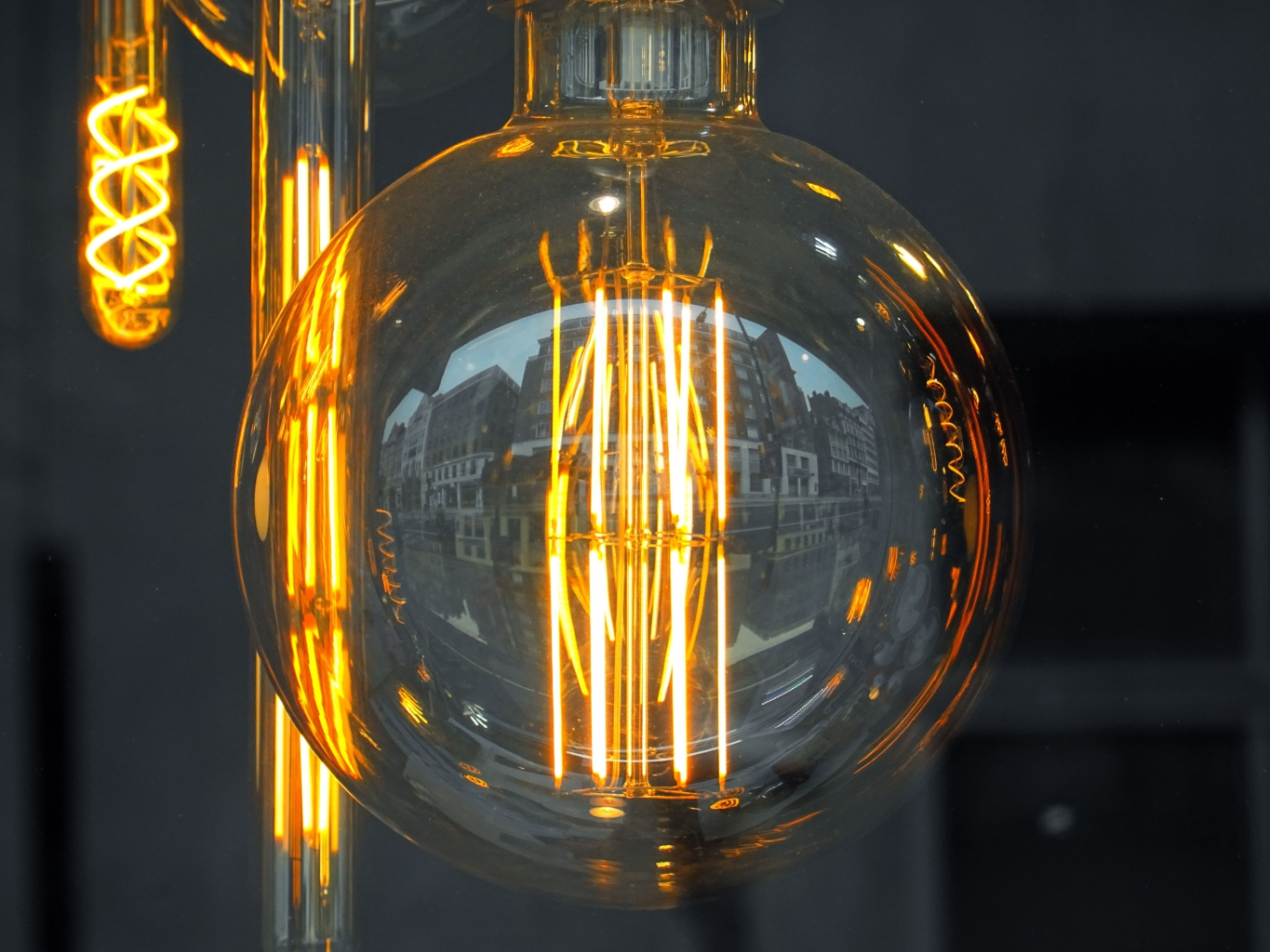 Canva Clear Glass Bulb